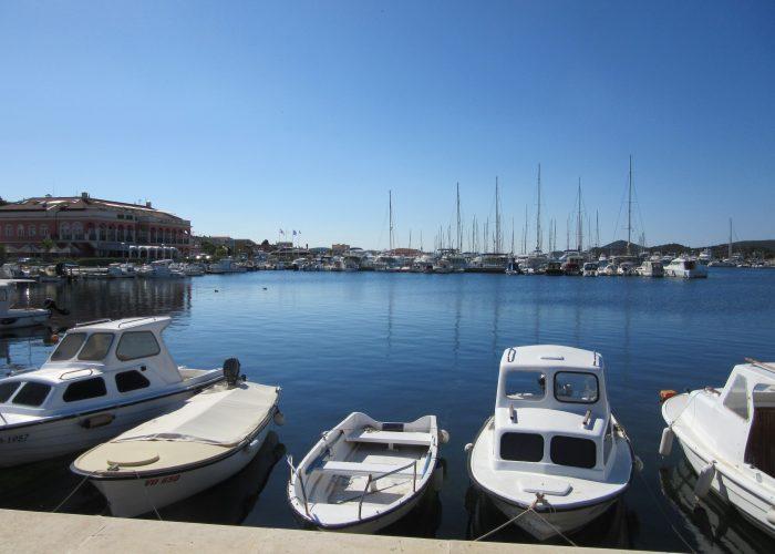 tribunj town port